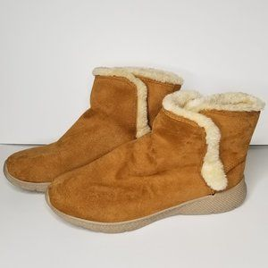 BROWN slip on boots